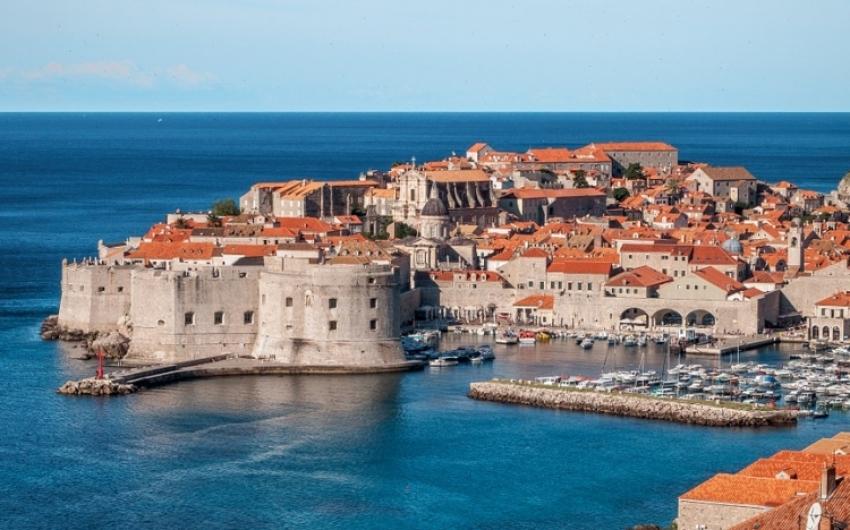 Horvát miniszter: a járványhelyzetet figyelembe véve kell újranyitni a határokat a turizmus fellendítésére