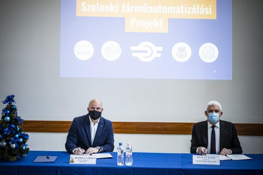 A Szolnoki Járműautomatizálási Projekt keretében négy együttműködési megállapodást kötött a MÁV-csoport