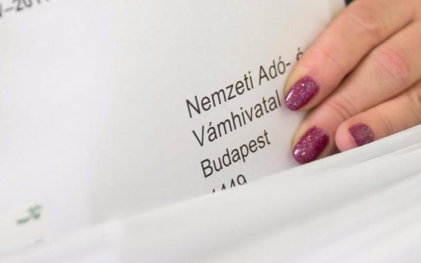 Április 15-ig kérhető az szja-bevallási tervezetek postázása